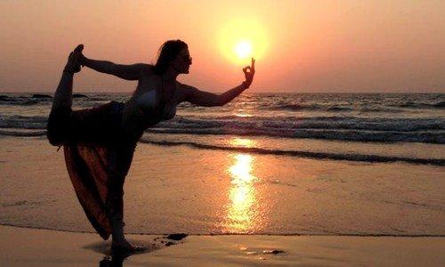 Costa Rica yoga retreat darren main
