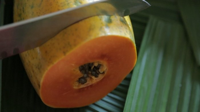 How to Make a Papaya Facial Mask