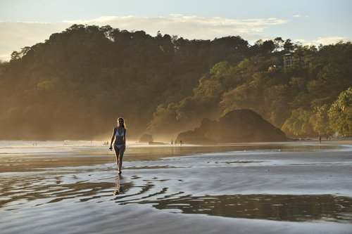 Do Your 5-Star Vacation to Costa Rica in Style
