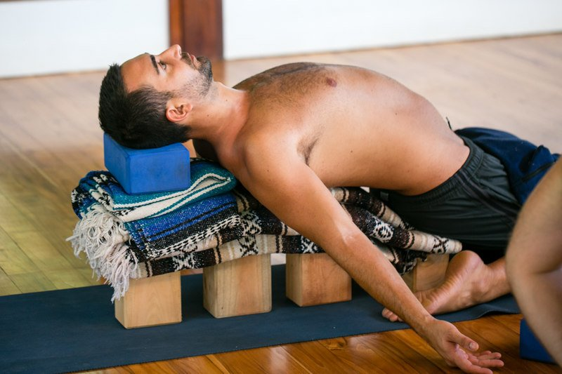 why more men shoudl practice yoga