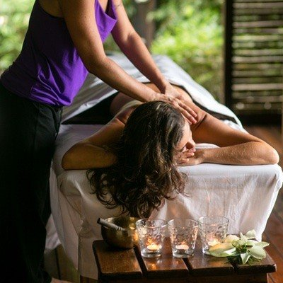 Blue-Osa-Luxury-Spa-massage