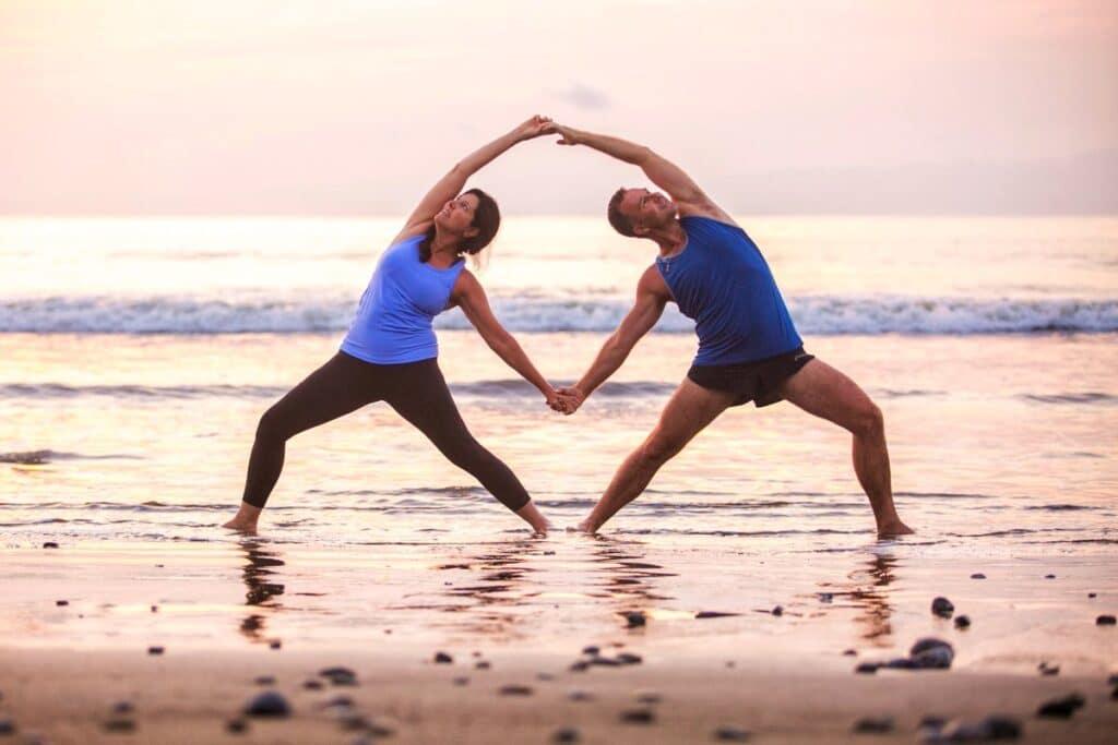 partner gateway yoga pose | yoga poses for two | partner yoga