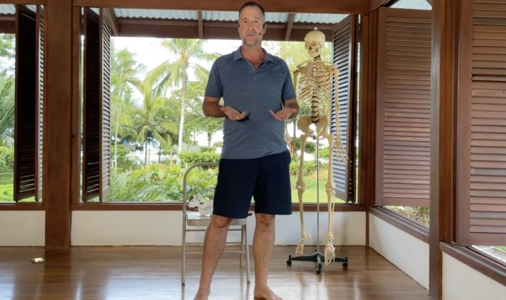 8 Benefits of Muscle Activation Techniques in Yoga